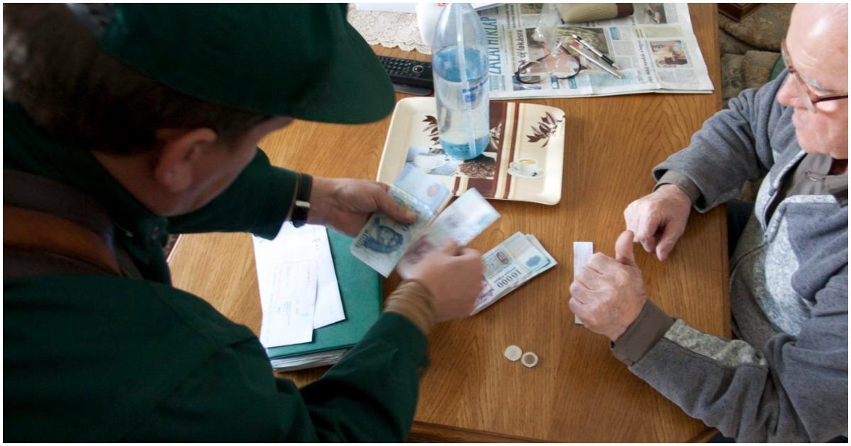 Több, mint százmilliárd forintot kapnak a nyugdíjasok - November érkezik a kiegészítő nyugdíjemelés